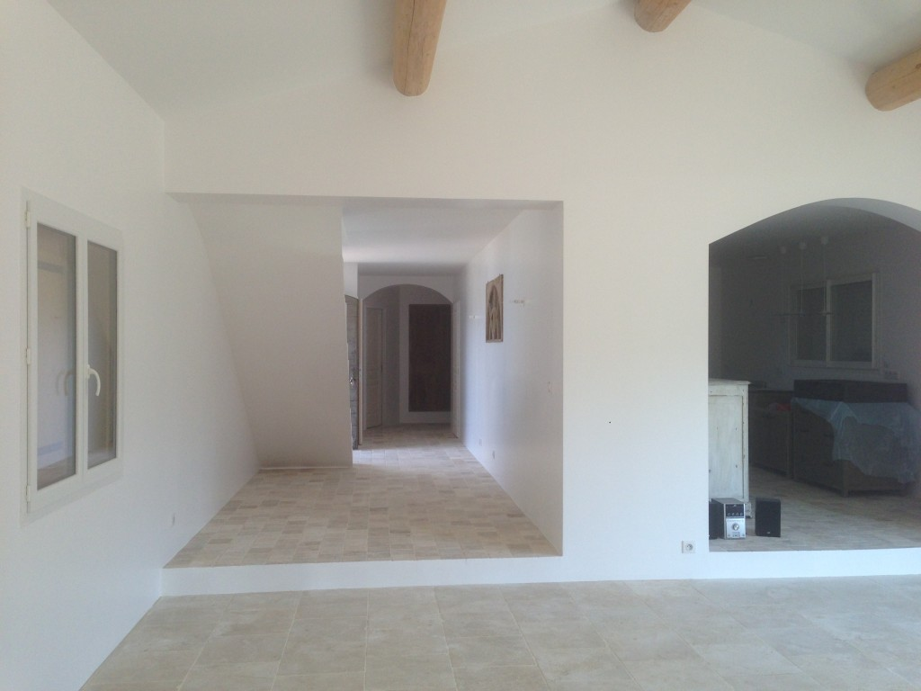 airless saint maximin la sainte baume. Black Bedroom Furniture Sets. Home Design Ideas